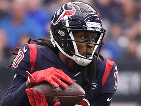 DeAndre Hopkins darts across middle for 29-yard catch and run