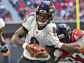 Lamar Jackson runs 16 yards after missing third quarter