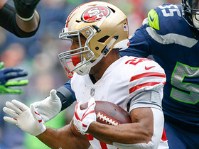 Matt Breida sprints for 26-yard pickup after catching screen pass