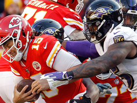 Suggs, Smith combine for clutch third-down sack of Mahomes