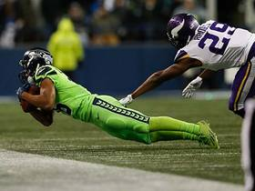 Lockett lays out for impressive sideline snag