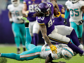 Conklin jumps to catch deep ball from Cousins