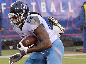 Derrick Henry punches in TD on fourth-and-goal