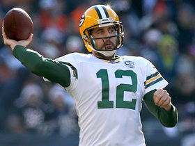 Rodgers tosses two-point conversion pass to Adams to tie game