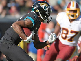 Dede Westbrook spins out of tackles on 20-yard rush