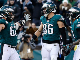 Foles delivers TD to Ertz on fourth-and-goal