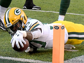 Jamaal Williams' incredible effort gets him in on 7-yard TD