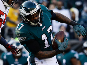 Alshon Jeffery bounces off tackler for 52-yard catch and run