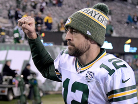 Rodgers does signature victory-belt celebration after two-point conversion