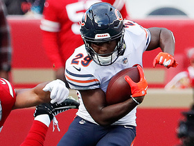 Tarik Cohen shows shades of Barry Sanders on ankle-breaking run
