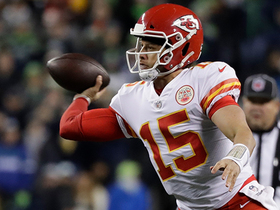 Mahomes uses new sidearm angle on 25-yard TD pass