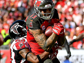 Mike Evans follows blocks to 33-yard gain