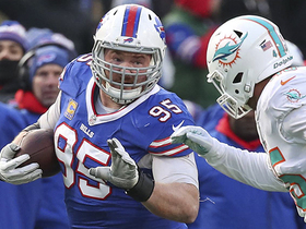 Kyle Williams catches first career pass
