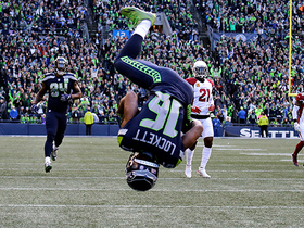 Tyler Lockett front-flips into the end zone for 29-yard TD
