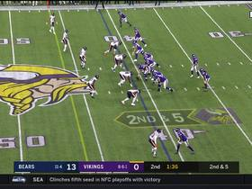 Diggs EXTENDS for fantastic catch