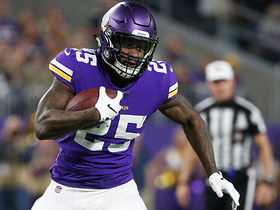 Latavius Murray cuts through Bears defense to get into red zone