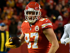 Kelce sets record for tight-end receiving yards in season