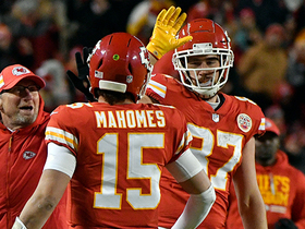 Mahomes bear hugs Kelce after TE reaches receiving record
