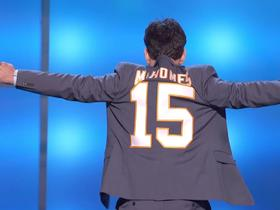 Paul Rudd announces Mahomes as MVP via custom suit jacket