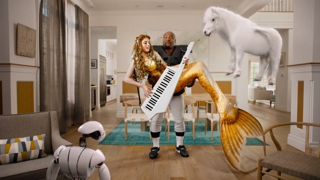 Bo Jackson does it all for Sprint's 'Best of both worlds' ad
