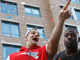 Gronk parties with his family at Patriots Super Bowl LIII parade