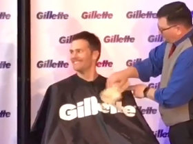 Tom Brady shaves his playoff beard to raise money for charity