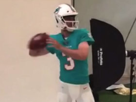 Rosen shows off new Dolphins uniform during photoshoot