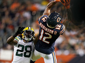 Allen Robinson hauls in acrobatic back-shoulder grab for 27 yards