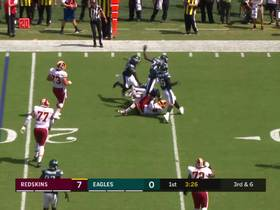 Brandon Graham sniffs out screen pass for third-down TFL