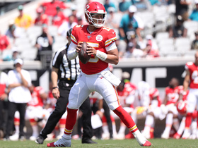 Mahomes' first no-look pass attempt of '19 is incomplete