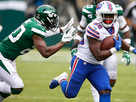 Devin Singletary gashes Jets defense for a 23-yard rush