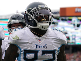 Delanie Walker's nifty route nets second TD catch of the game