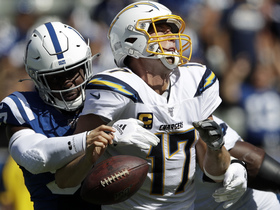 Colts defense swarms Rivers for sack to force fourth down