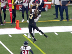 Michael Thomas goes WAY UP to snag Brees' top-shelf throw for 16 yards