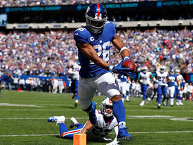 Saquon Barkley breaks free for a 27-yard opening TD