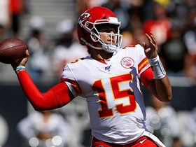 Mahomes dials LAUNCH CODES to Robinson on 44-YARD TD strike