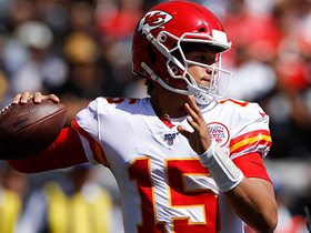 Can't-Miss Play: Mahomes' FOURTH TD of the half is back-shoulder DIME to Robinson