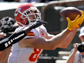 Mahomes lobs deep ball to Kelce for 34 yards