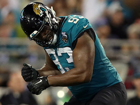 Campbell cuts Titans' drive short with fourth-down sack