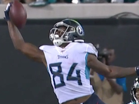 One-handed wonder! Corey Davis hauls in spectacular catch