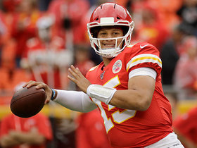 Mahomes shows pinpoint precision on 21-yard strike to Kelce over the middle
