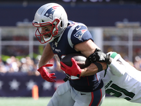 Brady finds diving Edelman for third-down conversion
