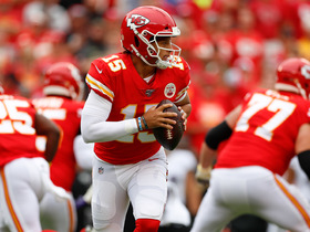 Mahomes plays hidden-ball trick on 9-yard pass to Kelce