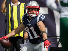 Julian Edelman channels Gronk after TD grab with thunderous spike
