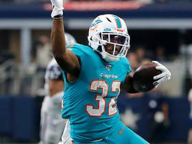 Kenyan Drake leaves 'Boys defenders in dust with wicked juke