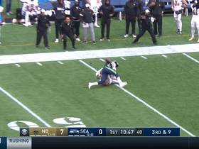 David Moore shows he's BACK on spectacular leaping catch