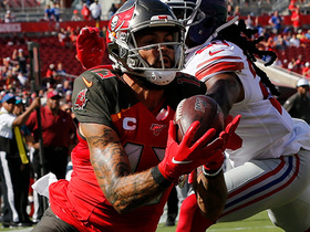 Hat trick! Mike Evans hauls in third TD grab of the first half