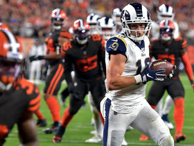 Cooper Kupp shakes defender to snag 11-yard TD pass