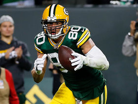 Jimmy Graham hauls in TD on Rodgers' perfect looping pass