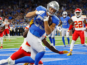 T.J. for the TD! Stafford hits Hockenson in the back of end zone
